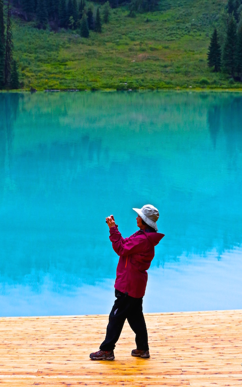 Emerald Lake Tourist 2