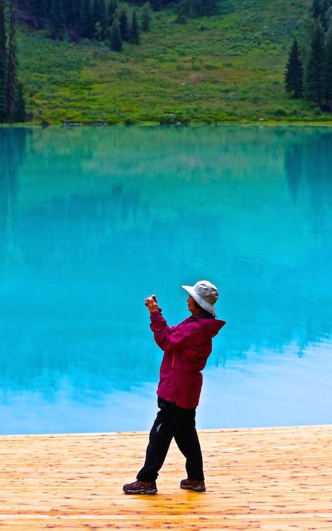 Emerald Lake Tourist 2