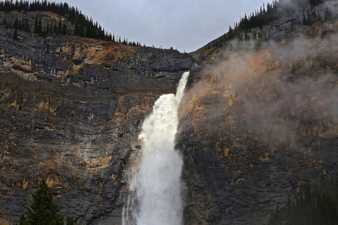 Takakkawa Falls 5